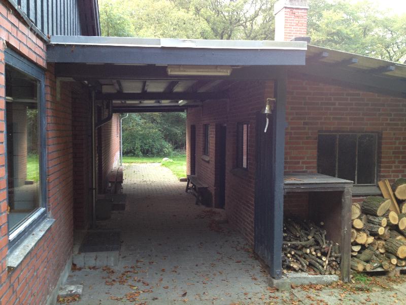 skovhuset-13-overdaekning-paa-bagsiden
